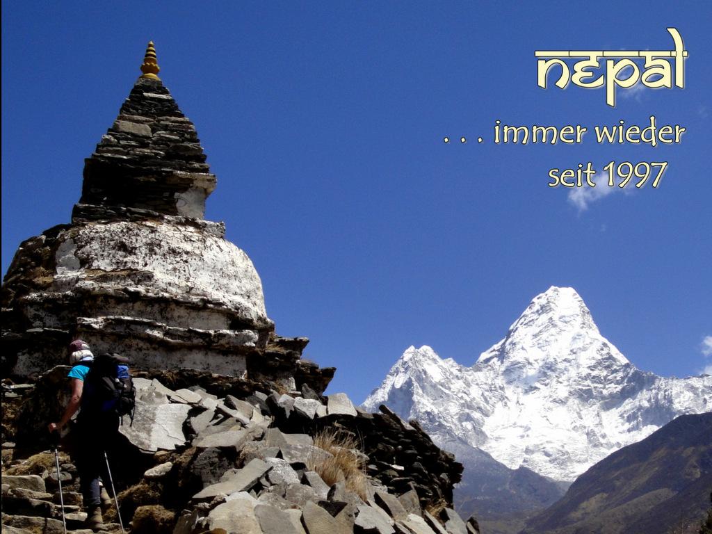 Chörten mit Ama Dablam, unterwegs auf dem Everest Trek